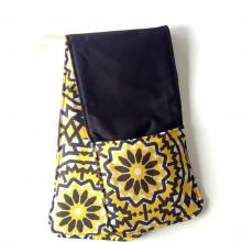Yellow & Black Oven-Mitt